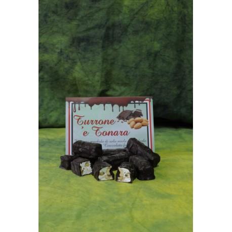 Buste Torroncini Sardi ricoperti di cioccolato fondente.